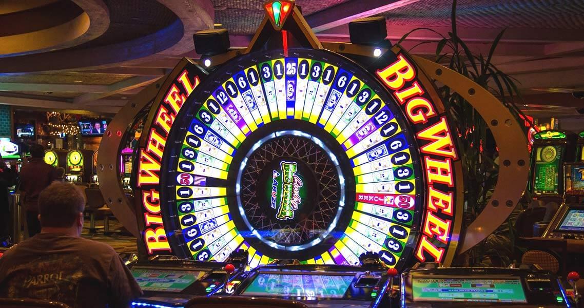 व्हील ऑफ फॉर्च्यून पर spin the wheel के लिए प्रतियोगियों को कितनी मेहनत करनी पड़ती है?